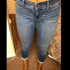Juicy Couture cropped jean